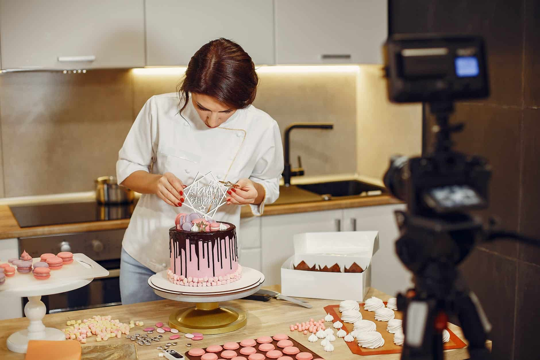 Types of Cake Molder: Here's Everything You Need To Know!